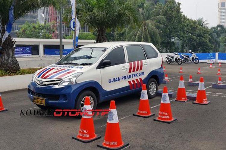 unit uji SIM A dan SIM C yang digelar Garda Oto.