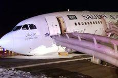 Pesawat Saudi Airlines Mendarat Darurat Tanpa Roda Depan