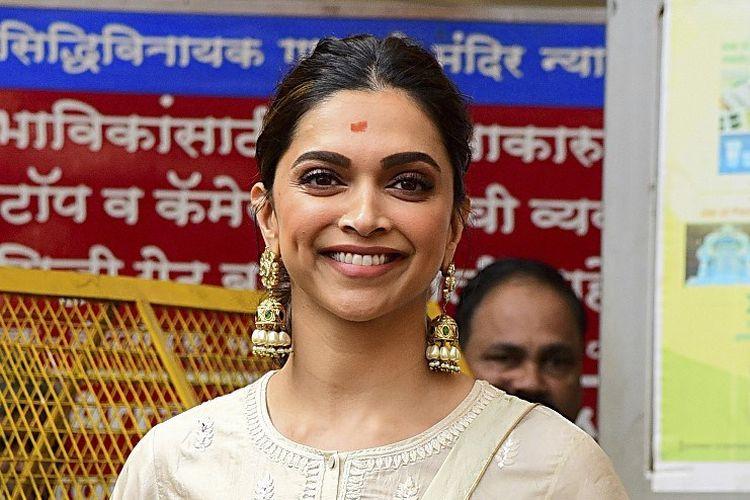 Aktris Bollywood  Deepika Padukone di Mumbai pada 10 Januari 2020.