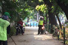 Polisi Mulai Tilang Pemotor yang Melintas di Trotoar
