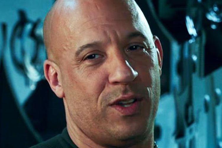 Vin Diesel beraksi sebagai atlet olahraga ekstrem Xander Cage dalam XXX: The Return of Xander Cage.