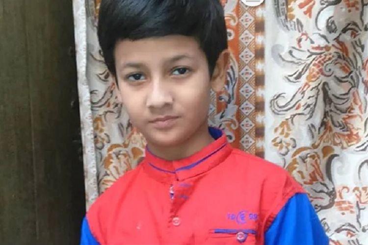Mrigendra Raj. Bocah di Uttar Pradesh, India, yang mengaku sudah menulis 135 buku di usianya yang baru menginjak 12 tahun.
