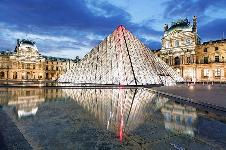 Museum Louvre di Perancis ditutup akibat adanya kekhawatiran terkait persebaran virus corona di negara itu semakin bertambah.