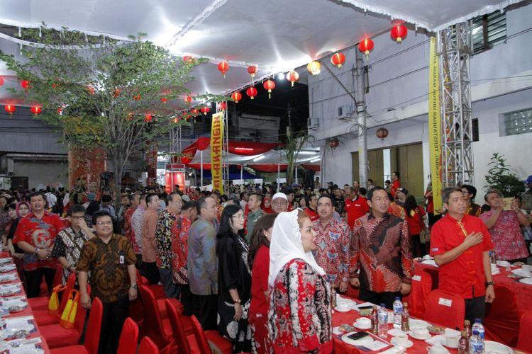 Wali Kota Semarang Hendrar Prihadi beserta istri menghadiri pembukaan Pasar Imlek Semawis 2018.