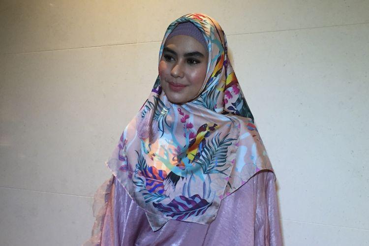 Kartika Putri menghadiri sebuah acara di Hotel Fairmont, Jakarta Pusat, Jumat (18/5/2018.