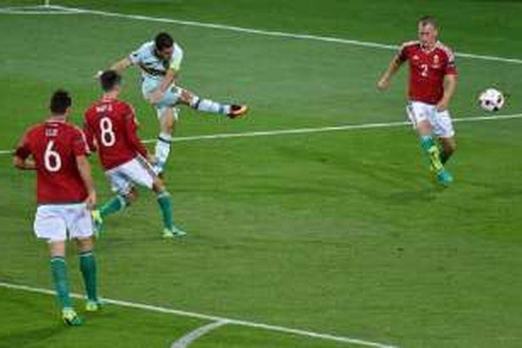 Eden Hazard tampil gemilang saat Belgia mengalahkan Hungaria pada babak 16 besar Piala Eropa 2016, Minggu (26/6/2016).
