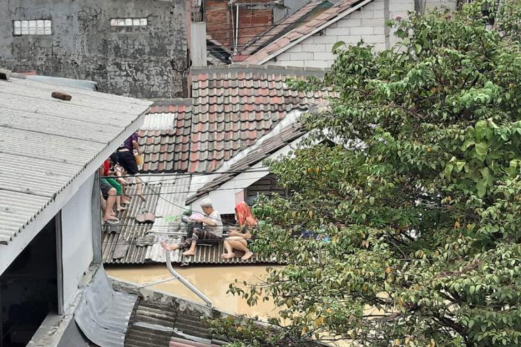 Perumahan Villa Nusa Indah, Jatiasih, Bekasi hingga mencapai atap