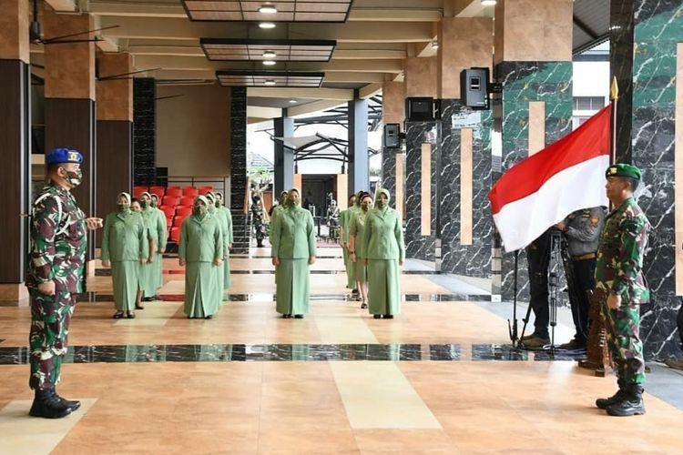 Kepala Staf Angkatan Darat (KSAD) Jenderal TNI Andika Perkasa menerima Laporan Korps Kenaikan Pangkat 12 orang Pati TNI Angkatan Darat yang berlangsung di Lantai Dasar Gedung E Markas Besar Angkatan Darat (Mabesad), Jakarta, Jumat (26/2/2021).