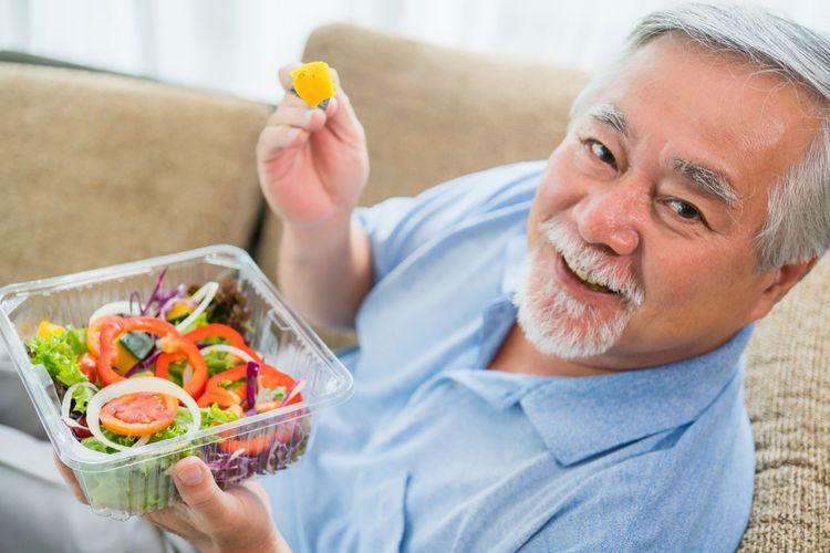 Ilustrasi makan makanan sehat