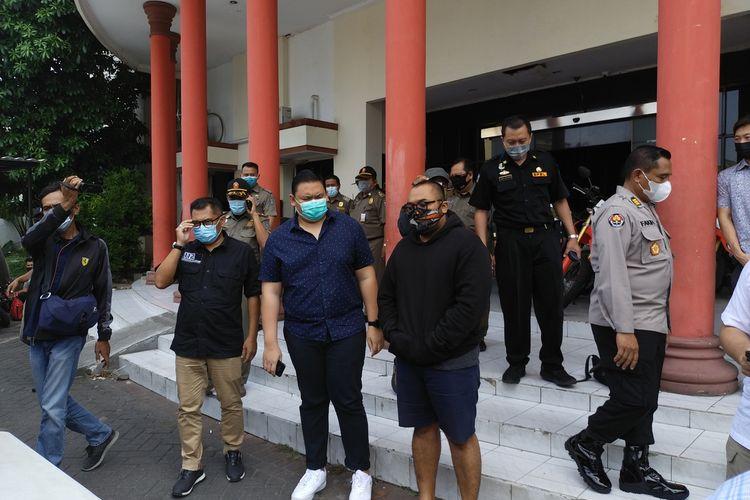 Putu Arimbawa Pelaku yang Mengumpat Pengunjung Mal Karena Bermasker Meminta Maaf Setelah ditangkap Polrestabes Surabaya, Selasa (4/5/2021).
