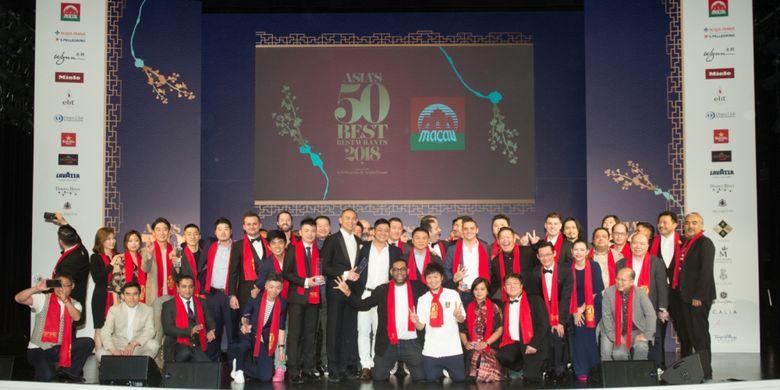Para chef dari Asia?s 50 Best Restaurants, sponsored by S.Pellegrino & Acqua Panna, dalam malam penghargaan di Macau, Selasa (27/3/2018).