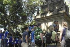 Pengunjung Membeludak Ganggu Pelestarian Candi Cangkuang