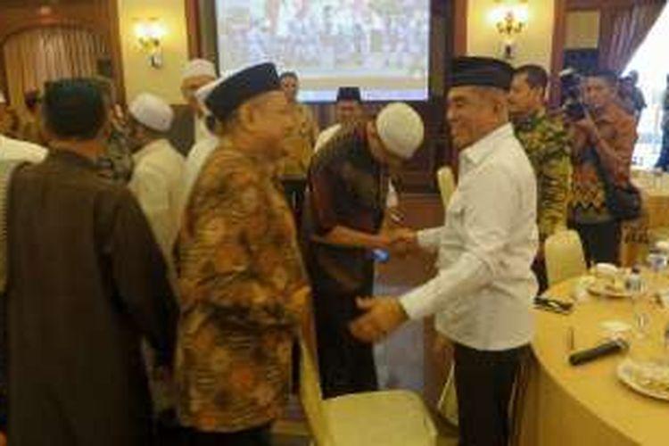 Menteri Pertahanan Ryamizard Ryacudu saat bersilahturahmi dengan para ulama dan tokoh agama Islam di aula Bhinneka Tunggal Ika, Kementerian Pertahanan RI, Jakarta Pusat, Jumat (11/11/2016).