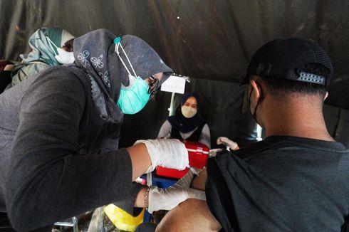 Lewat Bidan Desa, Satgas Jabar Beri Kemudahan Akses Vaksinasi Lansia