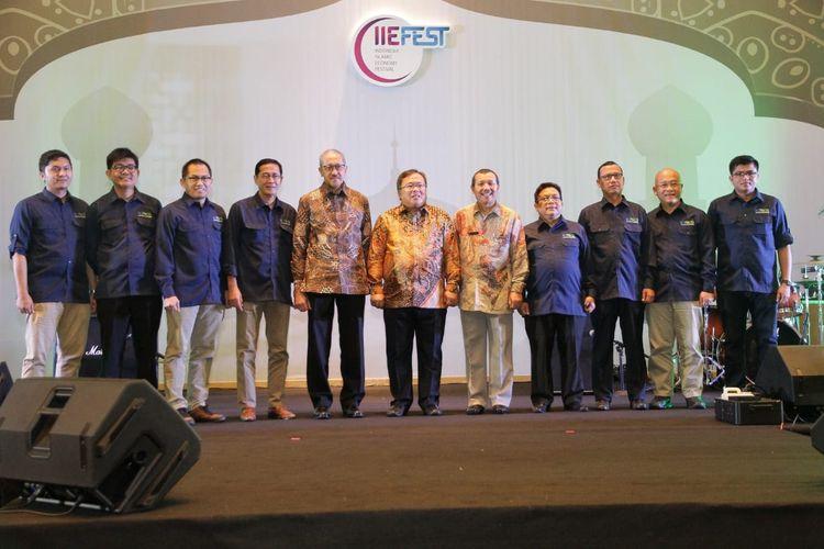 Penandatangan Mou antara BRI Syariah dengan Paytren dalam acara IIEFest di Bandung, Jumat (26/4/2019)