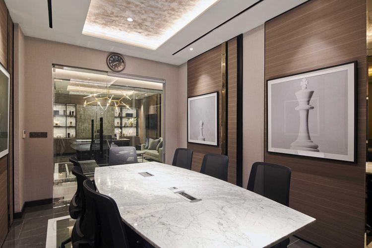 Desain ruang rapat kantor karya Studio Kuskus