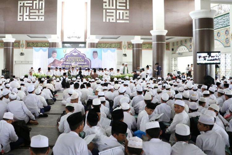 Khataman massal Gerakan Nasional Nusantara Mengaji di Tabalong, Kalimantan Selatan, Selasa (22/8/2017)