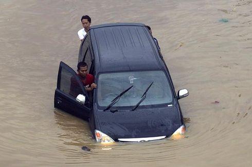 Batas Aman Mobil Bisa Terjang Genangan Air