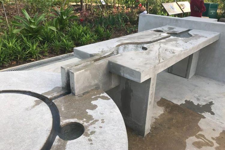 Wahana bermain dan edukasi anak di Sembawang Hot Spring Park Singapura. Tempat ini memiliki wahana agar anak bermain sambil belajar tentang siklus air tanah.