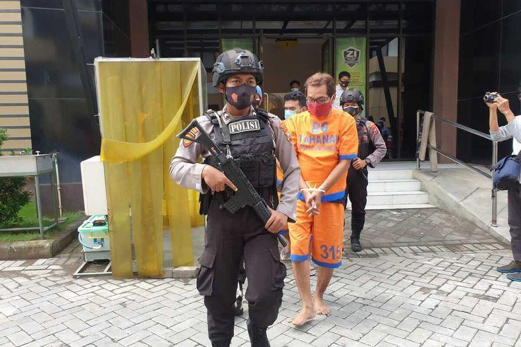 Tersangka pelaku penipuan CPNS diamankan di Mapolresta Sidoarjo, Jumat (8/1/2021).