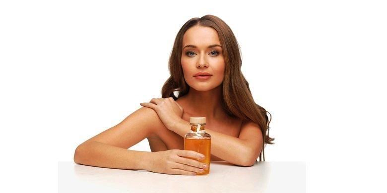 Minyak zaitun bermanfaat untuk melembabkan kulit sensitif.