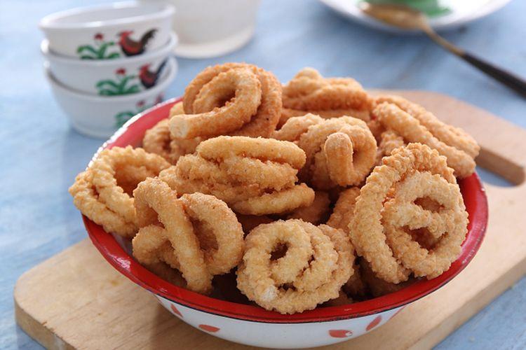 Resep kue akar kelapa atau unthuk yuyu.