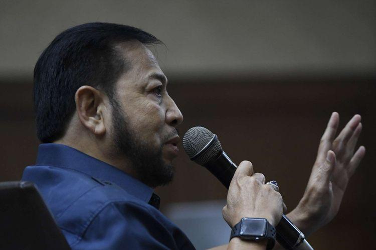 Penampilan terpidana kasus e-KTP Setya Novanto saat bersaksi dalam sidang lanjutan kasus dugaan suap proyek PLTU Riau-1, dengan terdakwa mantan Dirut PLN Sofyan Basir di Pengadilan Tipikor, Jakarta, Senin (12/8/2019).