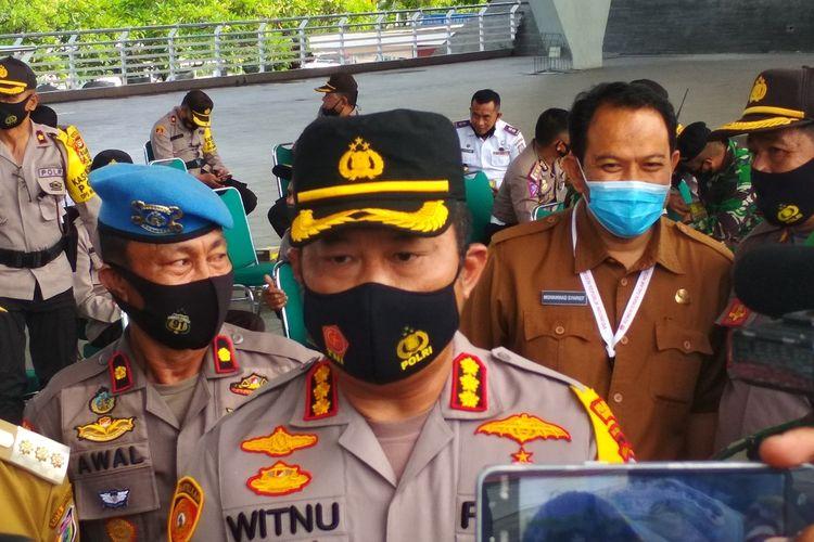 Kapolrestabes Makassar Kombes Pol Witnu Urip Laksana saat diwawancara usai, gelar pasukan pengamanan Pilwalkot Makassar di Lapangan Karebosi, Senin (7/12/2020).