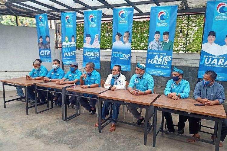 Partai Gelora Indonesia memutuskan untuk ikut menjadi partai pendukung sejumlah pasangan calon bupati-wakil bupati dan calon wali kota-wakil wali kota dalam ajang Pilkada di Jawa Barat 2020.