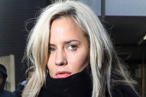 Presenter Caroline Flack Dinyatakan Meninggal karena Gantung Diri
