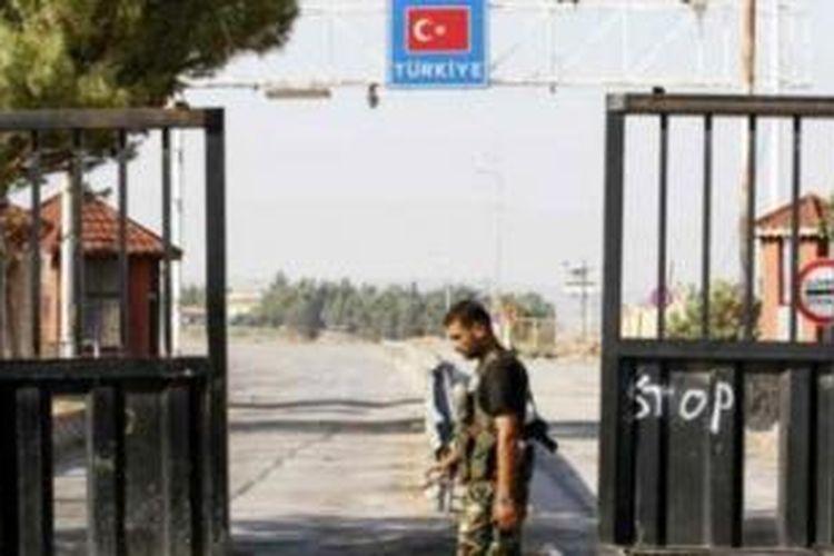 Salah satu pintu perbatasan Suriah dan Turki.