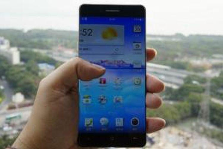 Ponsel terbaru Oppo dirancang tanpa bezel
