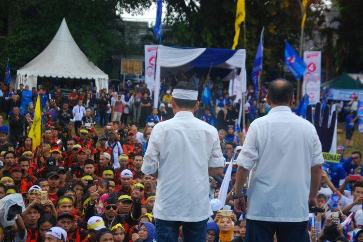 Pasangan Deddy Mizwar-Dedi Mulyadi saat kampanye akbar di Lapangan Kresna, Bogor, Jawa Barat, Sabtu (23/6/2018).