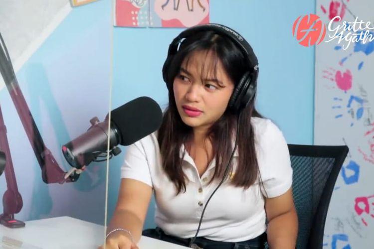 Amel Carla berbincang dengan Gritte Agatha. (Bidikan layar YouTube Gritte Agatha).