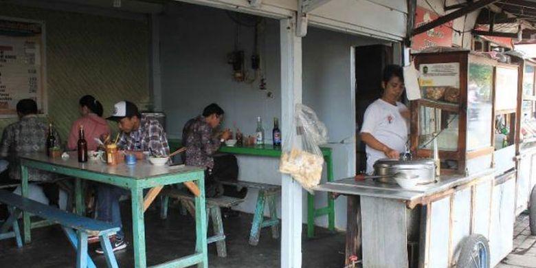 Bakso Pak Kintel menjadi salah satu bakso legendaris di Yogyakarta.