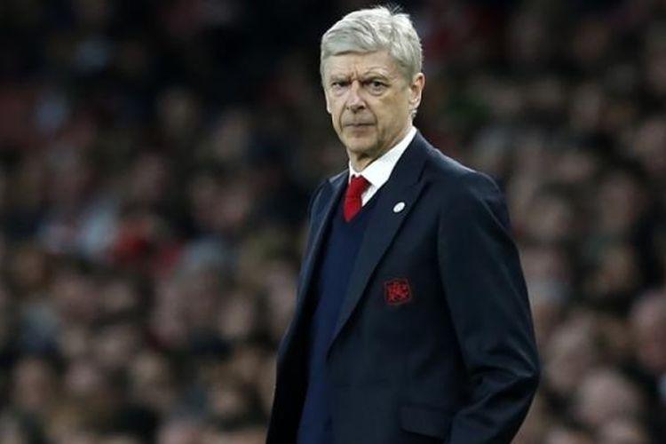 Ekspresi Manajer Arsenal, Arsene Wenger, dalam pertandingan perempat final Piala FA melawan Lincoln City di Stadion Emirates, pada 11 Maret 2017.