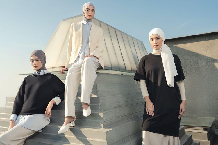 Inspirasi gaya berpakaian hijab kolaborasi Uniqlo dan Ayudia C.
