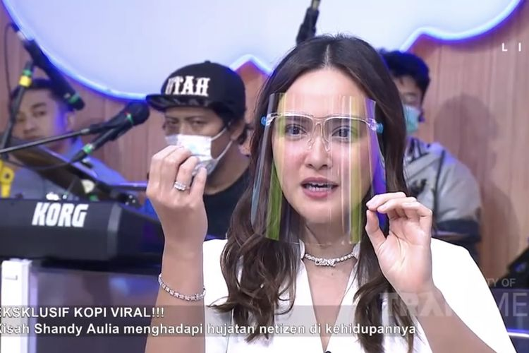 Shandy Aulia dalam acara Kopi Viral
