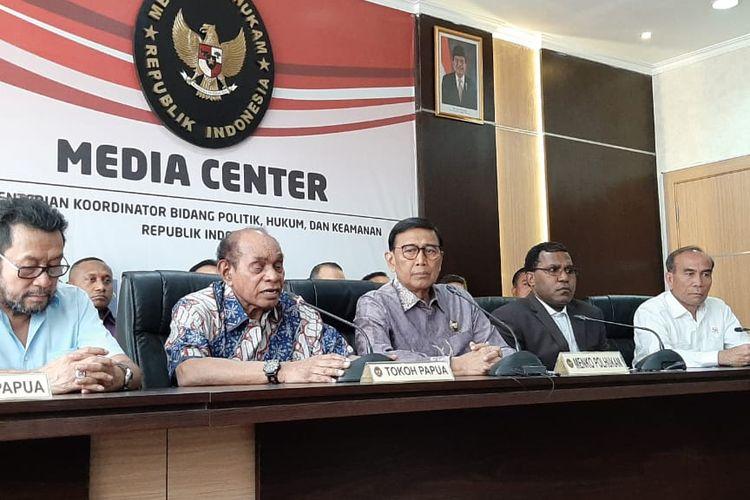 Menteri Koordinator Bidang Politik, Hukum, dan Keamanan (Menko Polhukam), Wiranto,dalam konferensi pers di  kantor Kemenko Polhukam, Jakarta Pusat, Jumat (30/8/2019).