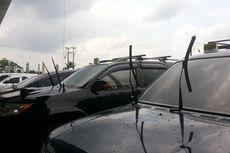 Ketahui Manfaat Wiper Mobil Diangkat Saat Parkir