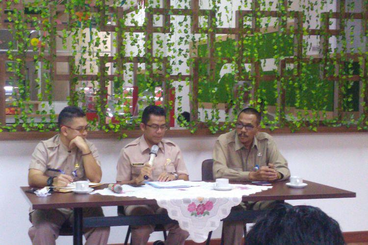 Biro Humas BKN melakukan konferensi pers terkait pendaftaran seleksi penerimaan CPNS di kantor BKN, Jakarta, Selasa (16/10/2018).