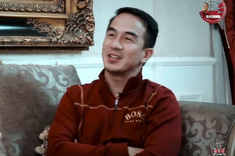Aktor Joe Taslim saat diwawancarai Helmy Yahya