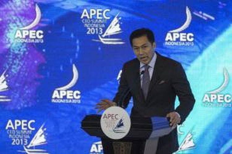 Ketua APEC Business Advisory Council Wisnhu Wardhana memberikan pidato pengantar pada APEC CEO Summit di Nusa Dua, Bali, Minggu (6/10/2013).