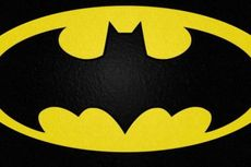 'Batman' dan 'Kapten Amerika' Selamatkan Kucing dari Kebakaran