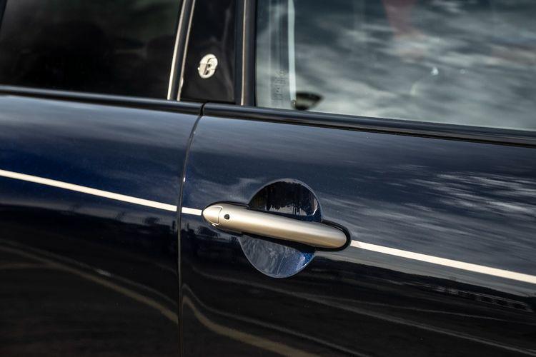 MINI Cooper 5 Door Frozen Brass Edition