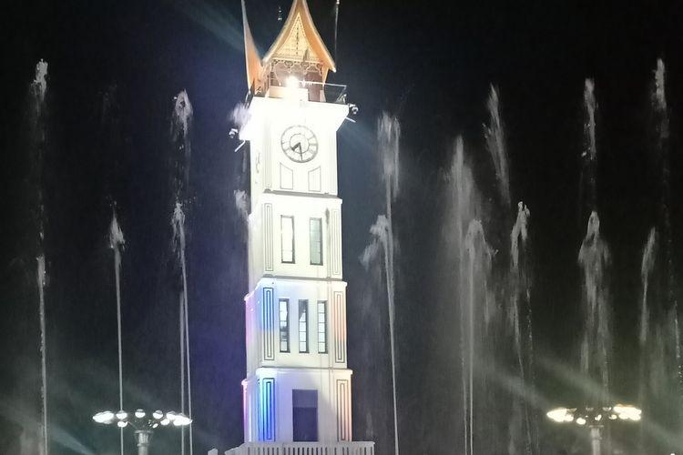 Salah satu ikon wisata Bukittinggi, Jam Gadang yang menjadi penarik wisatawan datang ke Bukittinggi