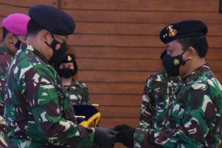 Kepala Staf Angkatan Laut (KSAL) Laksamana TNI Yudo Margono melantik dua perwira tinggi (Pati) TNI AL menjabat Komandan Komando Pembinaan Doktrin Pendidikan dan Latihan TNI Angkatan Laut (Dankodiklatal) dan Komandan Pusat Hidrografi dan Oseanografi TNI Angkatan Laut (Danpushidrosal).