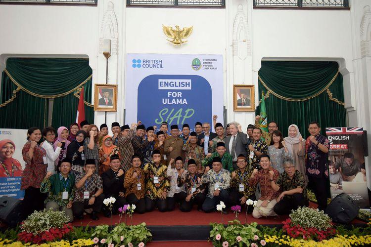Pemerintah Provinsi Jawa Barat memfasilitasi pelatihan bahasa Inggris untuk para ulama dan guru dalam tajun English for Ulama (EFU).