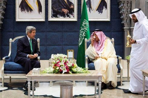 Arab Saudi Desak Aksi Global Akhiri Rezim Suriah