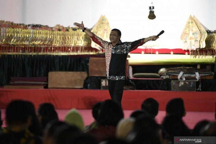 Didi Kempot saat tampil di Istana Negara, Jumat (2/8/2019)